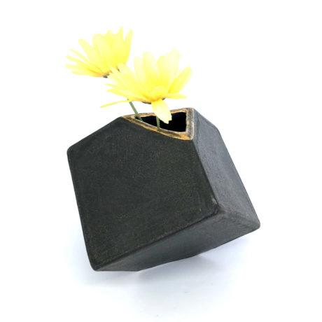 black cube_a